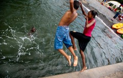 Swimming-in-RedHook_credit_Paul-BastinSNB_4173_500