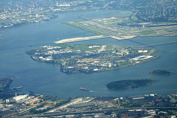 Rikers_Island_from_the_air-CreativeCommons-600