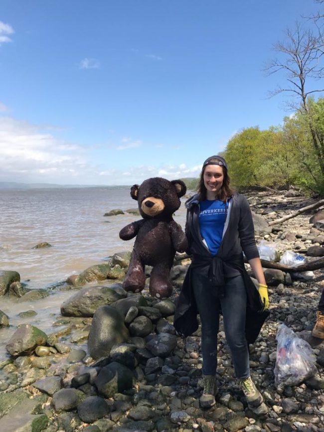 Jen-Benson with Bear (Croton Point Park, Sweep 2017) (1)